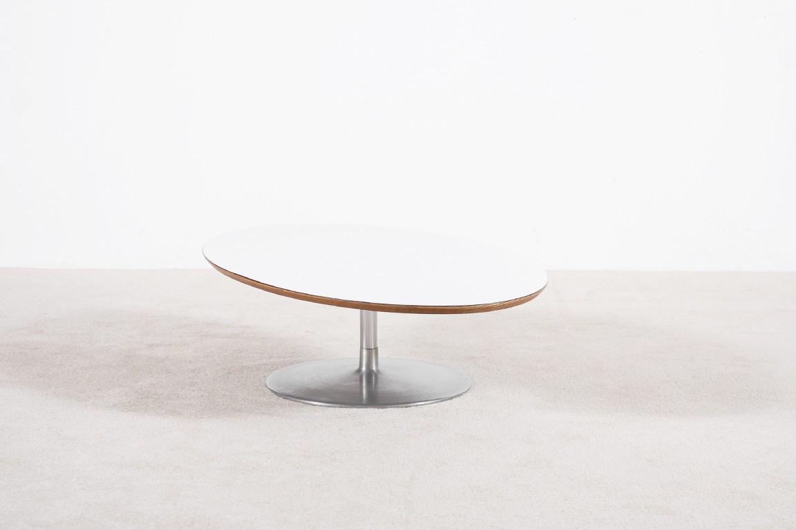 pierre paulin table basse ovale 1960 jasper. Black Bedroom Furniture Sets. Home Design Ideas
